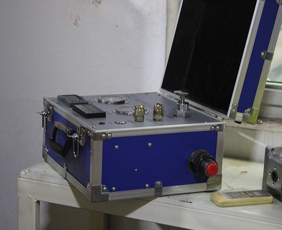 济宁微型液压试验台